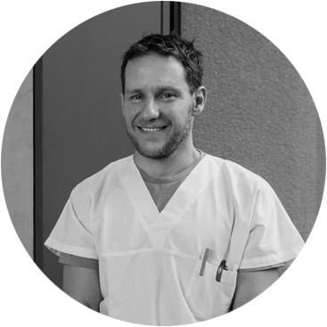 Dr. Sebastian Knell
