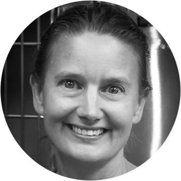 Dr. Ariane Neuber