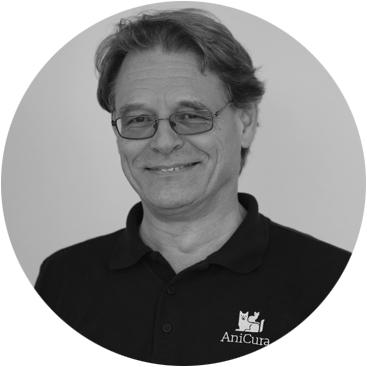 Dr.  Gerhard  Staudacher